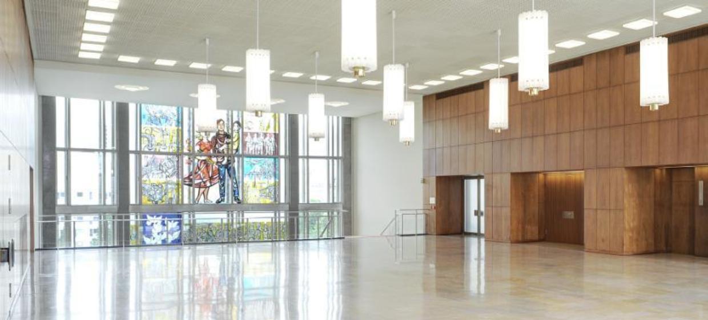 Schlossplatz 1 - Campus der ESMT Berlin  24