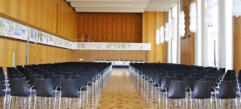 Schlossplatz 1 - Campus der ESMT Berlin  8