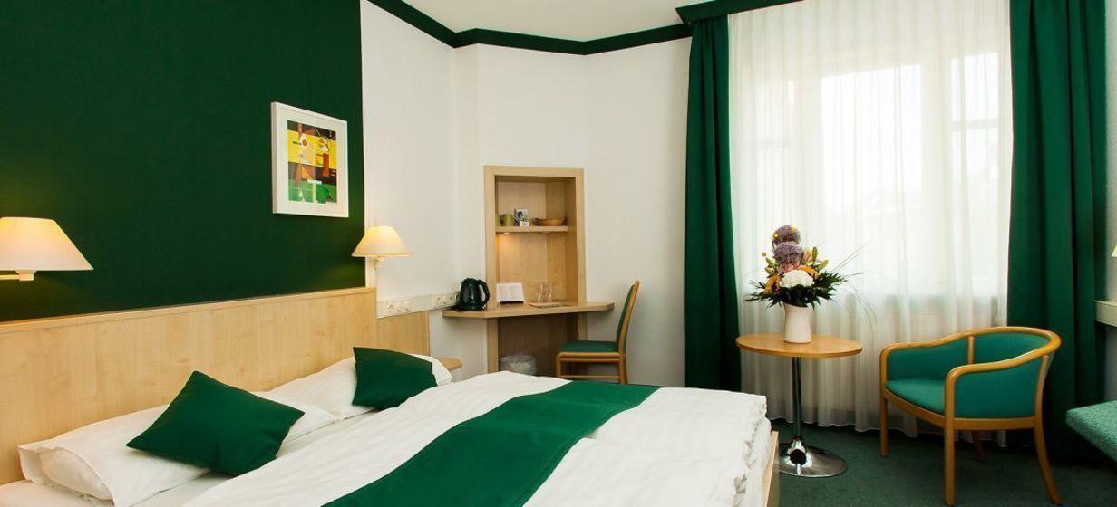 Hotel Kaiserin Augusta 12
