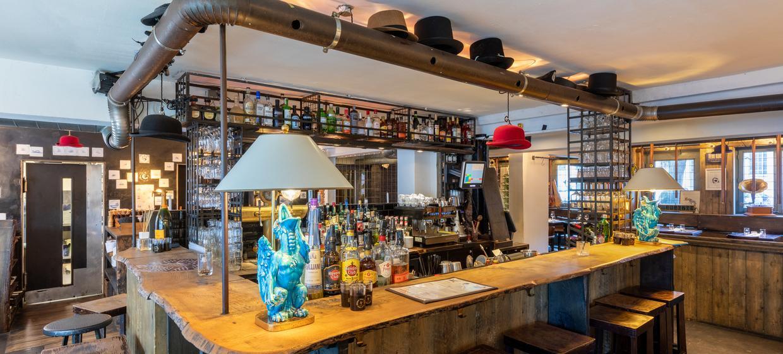 Chapeau! Grill & Bar 4