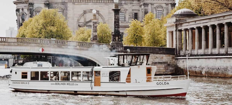 Salonschiff Golda 1