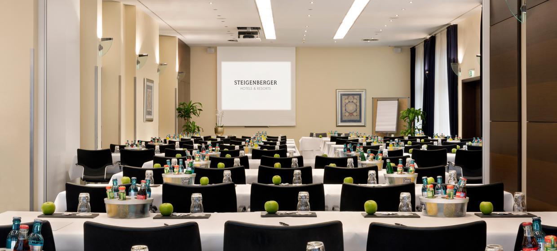 Steigenberger Hotel Metropolitan 1