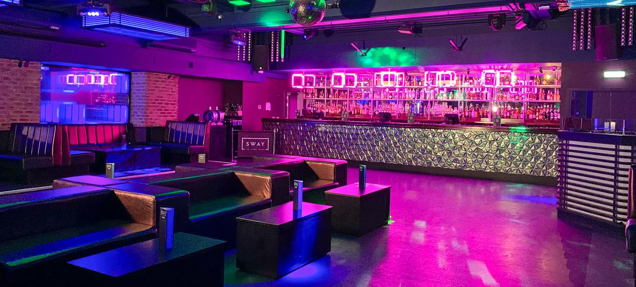 Large and Flexible Venue  25