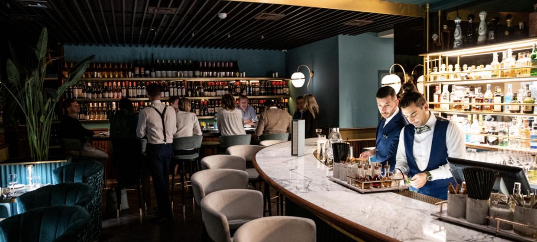 A Vibrant Restaurant in the Heart of Mayfair  1