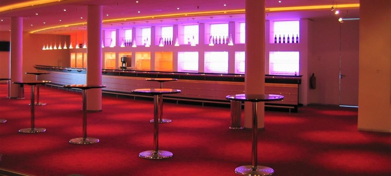 Stage Apollo Theater 4