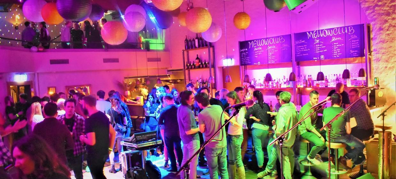 Mellow Club & Deluxxe Bar 7