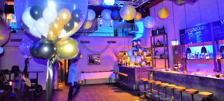 Mellow Club & Deluxxe Bar 12