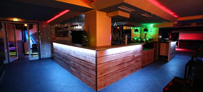 Golden Circle Lounge 2