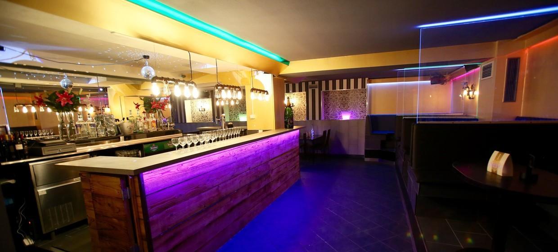 Golden Circle Lounge 5