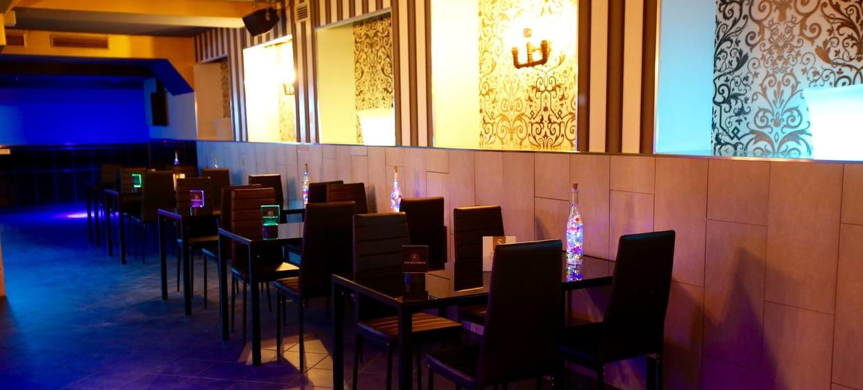 Golden Circle Lounge 8