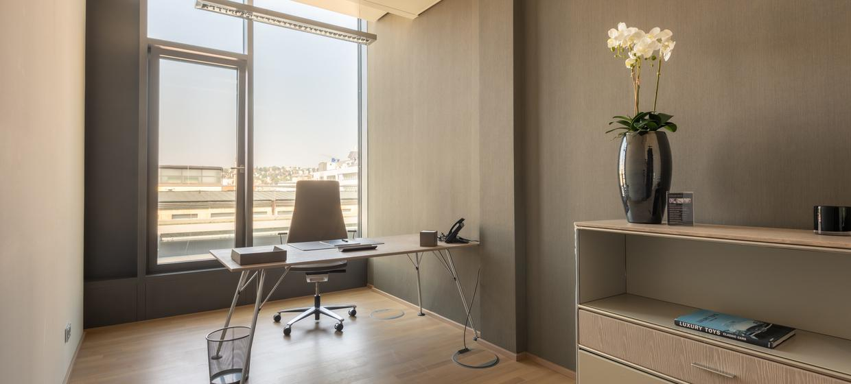 Business Center Deluxe 7
