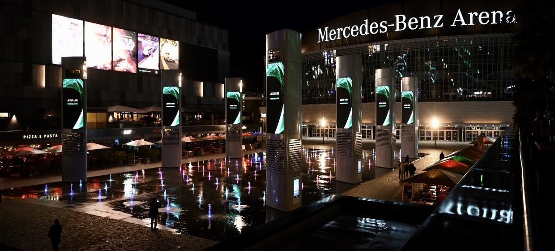 Mercedes Platz 5