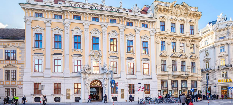 Palais Daun-Kinsky 11